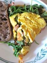 Omelette Cochonne aux Têtes de Violon, Bacon etRoquette